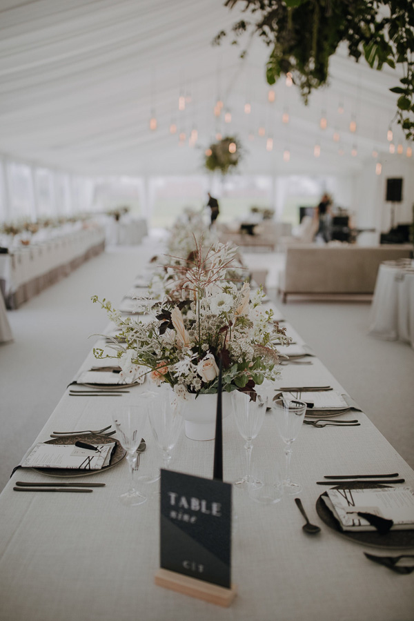 WEDDING_TABLE_PLANNING_5B_DARK_WHITEHOUSE